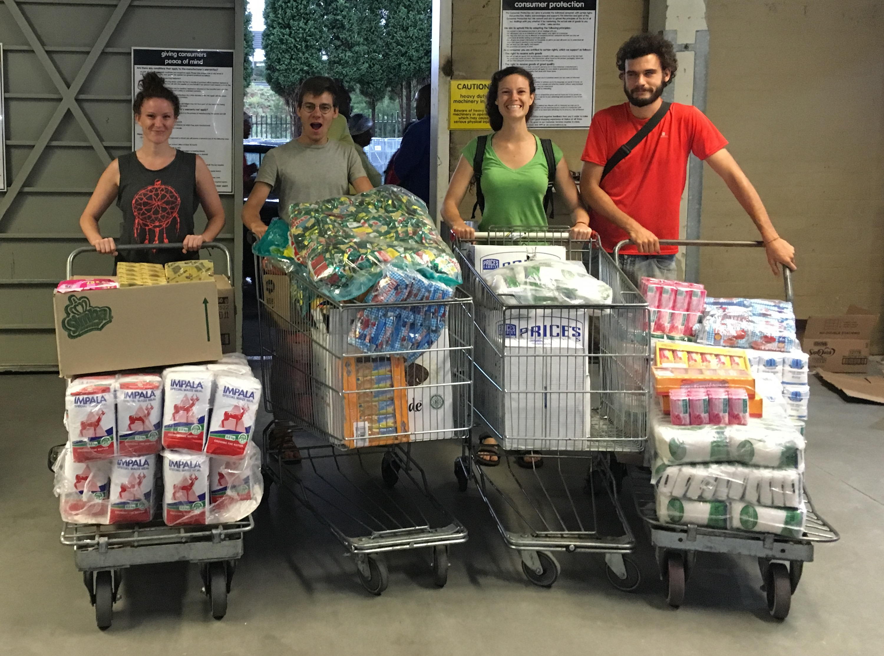 2015 – Christmas Hampers for the Witpoortjie Soup Kitchen